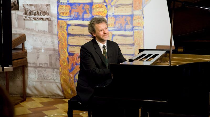Рокас Зубовас. «Пейзажи души» в музее-институте семьи Рерихов